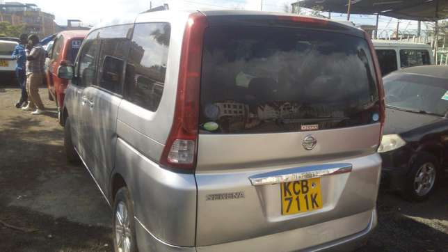 Nissan Serena for sale Umoja - image 3