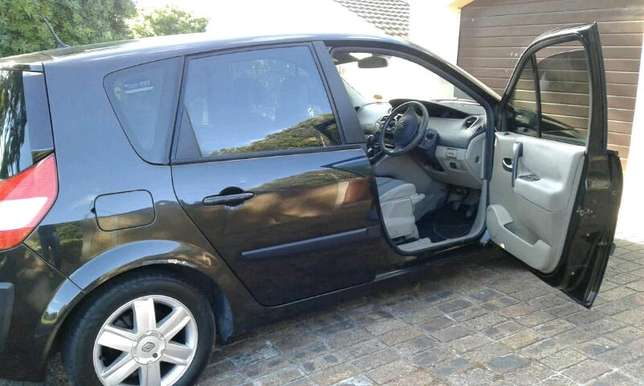 Renault scenic2, 2005 ,dci , black manual , lovelly cond ,ful hse Wynberg - image 5