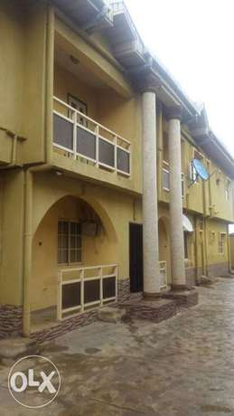 Neat 3bedroom flat 300k at Igando yearly rent with 3toilets. Igando/Ikotun - image 1