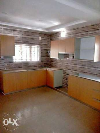 A luxurious 5 bedroom duplex and bungalow for sale. Gwarinpa Estate - image 5