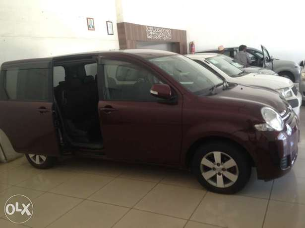 Toyota sienta maroon colour fully loaded kcp 2011 model Timbwani - image 3