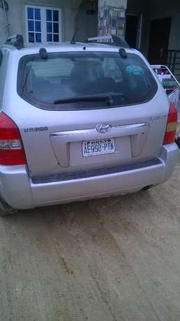 Neat hyundi tucson 2006 model first,with a tokunbo engine Warri South-West - image 3