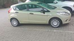ford fiesta 1.4 2010 model for sale R75000 or to swap