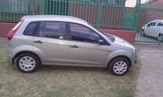 For Sale - Ford Figo 1.4 Ambiente (Low Mileage) Southdale - image 1