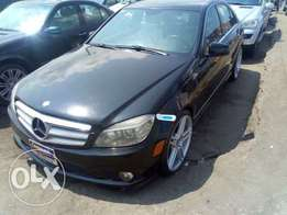 Buy and drive Toks 2008 Mercedes Benz C300 selling fast