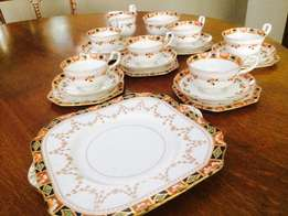Vintage Star Paragon tea set and Gladstone cake plate – R2000