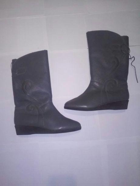Жіночі зимові чоботи (хутро) 38 р  500 грн. - Жіноче взуття Львів на Olx 8c499618f9c73