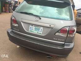 Very Neat First body Nigerian used 2003 model Rx 300