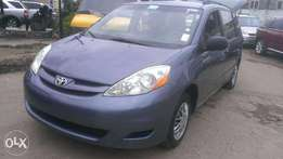 HOT Sale - Foreign used Toyota Sienna 2006