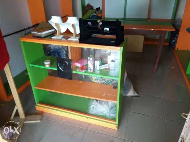 Clean furniture for shop. Three pieces floor to ceiling shelves. Badagry - image 3