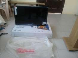 Tcl 32 inches led Digital flat screen Television new in box