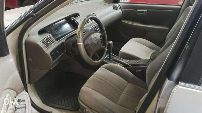 Nigerian used toyota camry Agege - image 5