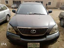 Neatly used 04 Lexus RX330