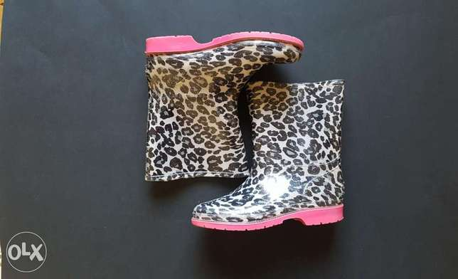 Boots /- size : 30 / 75 000