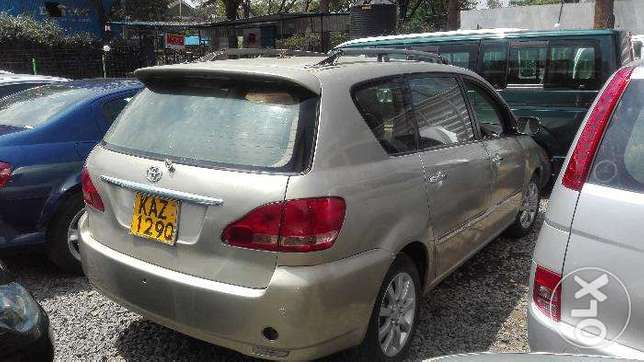 Toyota picnic super clean 7seater auto buy and drive 2000cc Hurlingham - image 4