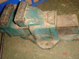 VISE, Industrial Bench vise, made in England(old)