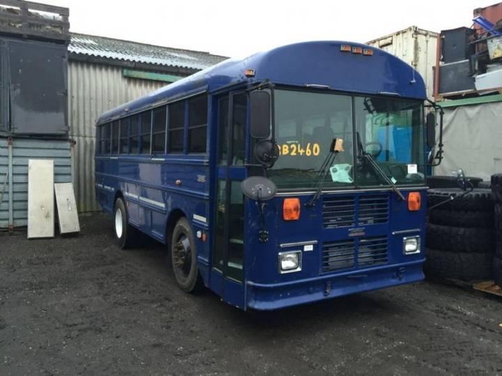 Thomas Usa. Bus