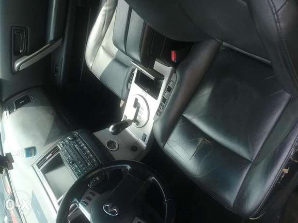 Clean tokunbo Infiniti fx35 full option Lagos Mainland - image 5