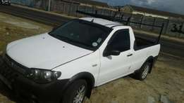 fiat strada pick up bakkie in mint condition 100percent