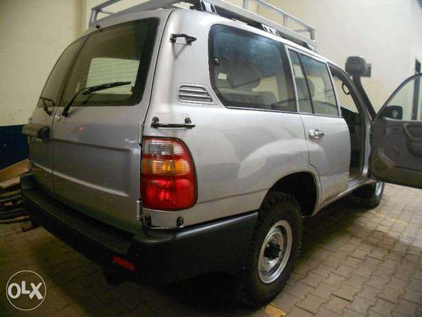 Toyota Land Cruiser 2007 Available For Sale Kampala - image 8