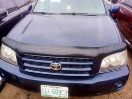 2004 Toyota Highlander, very clean