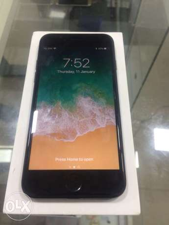 UK used iPhone 7 256GB with Full Accessories Ikeja - image 5