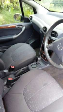 2004 Mercedes Benz 160 Elegance. Tyres all new. Automatic. 143000km Gonubie - image 2