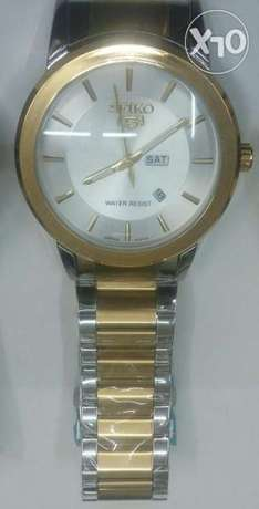 Seiko 5 gents watches in gold and silver bracelet,at 4500ksh. Nairobi CBD - image 2