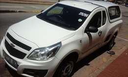 selling Utility Bakkie 2014 model 1.4 Engine with a canopy