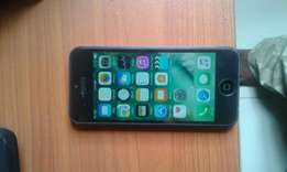 Neat iPhone 5 for sale in lekki 55k Negotiable