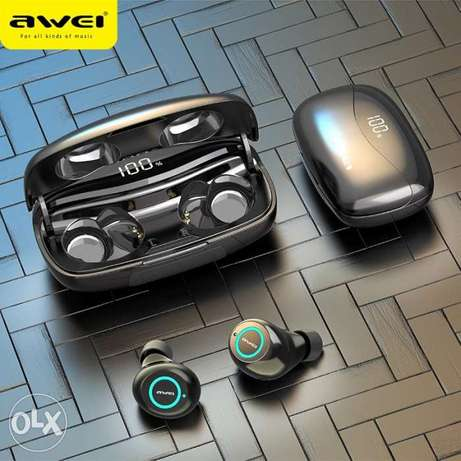 Awei earphone super Bass 2500mah led desplay