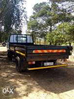 Truck- Mazda T2000 - Good running condition