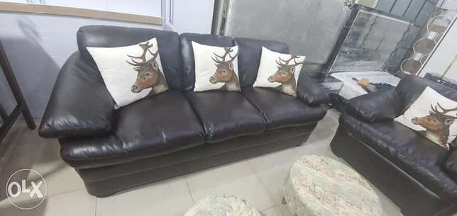 Leather sofa for sale uesd and very good conditions contact whatsapp