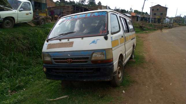 Toyota shark 5l body diff and Gearbox. Nakuru East - image 1