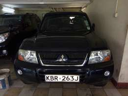 Clean and Well Maintained Mitsubishi Shogun 4WD Big Size SUV