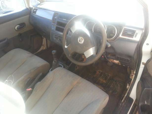 Nissan tida stripping for spares or for sale as is Kimdustria - image 5