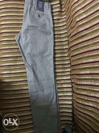 Gap khakis slim fit size us 33 from America