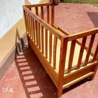 Classic simple baby cot