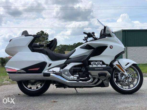 2018 Honda® Gold Wing Tour Pearl White