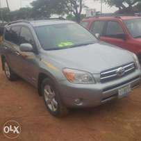 Nigerian Used Toyota RAV4, 2007/08, 4WD, Very OK. You'll Like it.