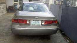 Nigerian neatly used 1st body Toyota Camry drop light for sale