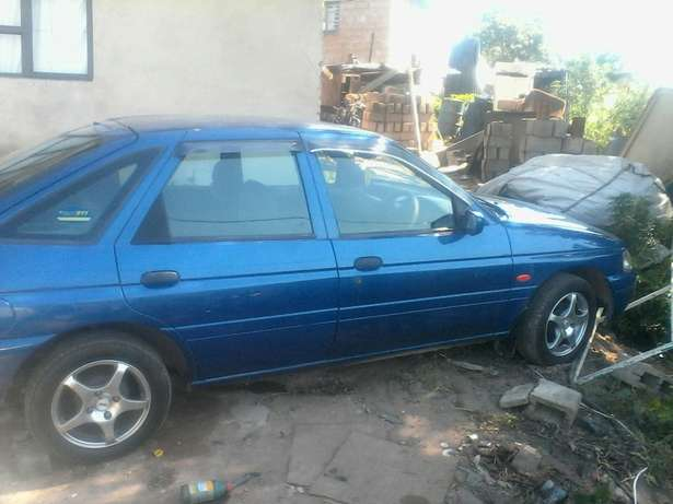 Like new ford escort Bellair - image 2