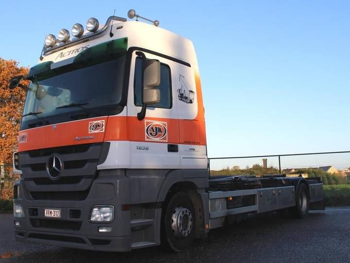 Volvo mercedes actros 1836 + ajk containersysteem - 2009