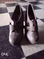 FOR SALE Grey shoes, high Heel , size 37