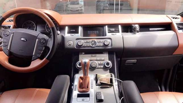 2012 Range Rover Sport Autobiography Available Lagos Island West - image 3
