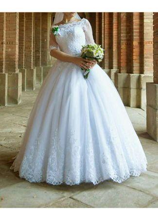 0d59056cd8dd5c Продам або дам на прокат!: 400 $ - Весільні сукні Чернівці на Olx