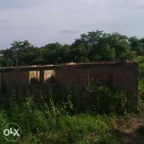 uncompleted 3 bed room flat at egbejila Airport road