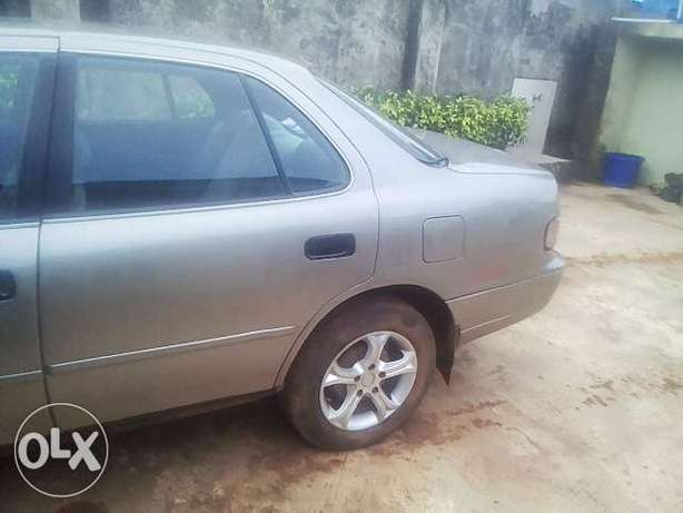 NEATLY USED TOYOTA CAMRY ,aka orobo for quick sale Ijebu Ode - image 3