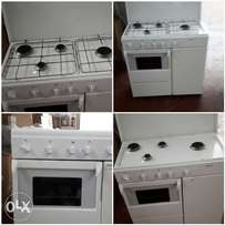 kitchen unit with 4 burners and electric oven