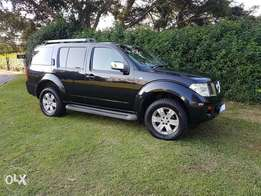 2005 Nissan Pathfinder 4.0 V6 4x4 for sale.